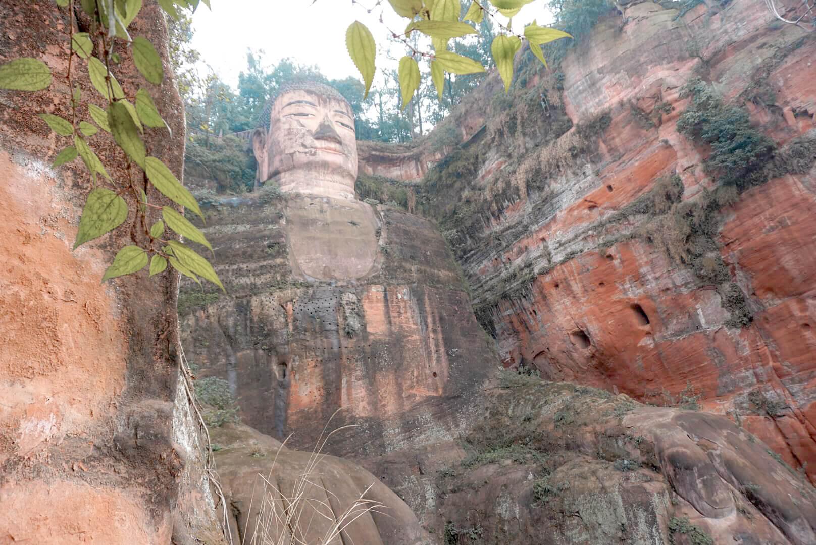 bouddha géant de leshan photo