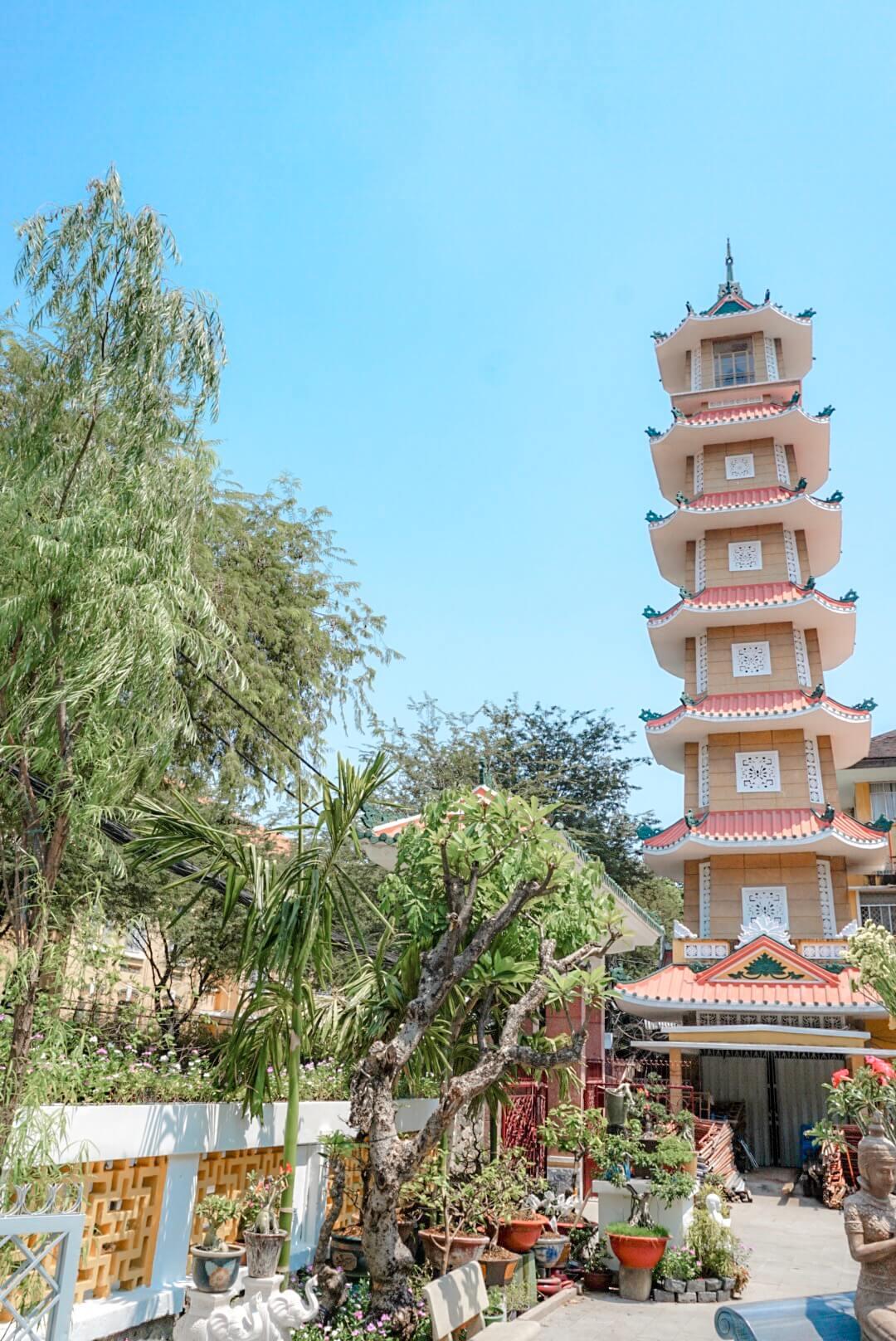 visiter pagode ho chi minh vietnam