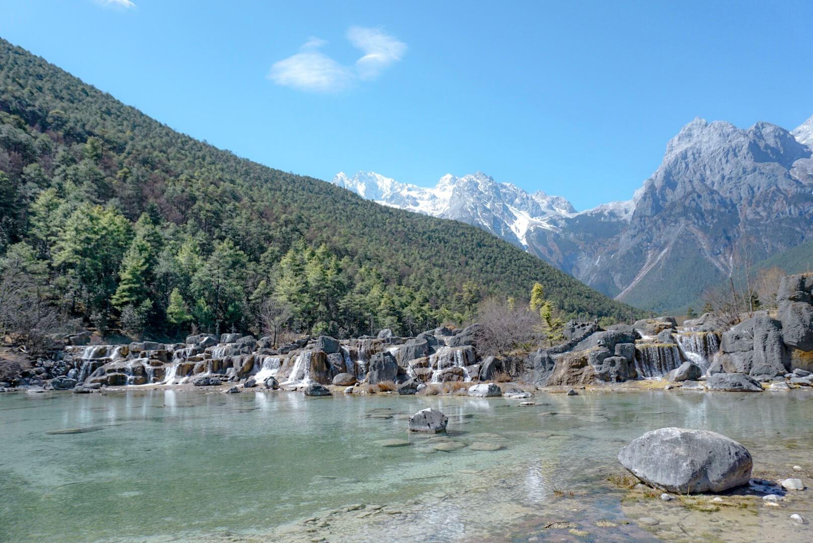 Montagne Yunnan lac bleu dragon de jade