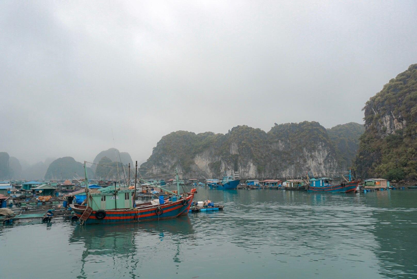 village pecheur croisière lan Ha Baie