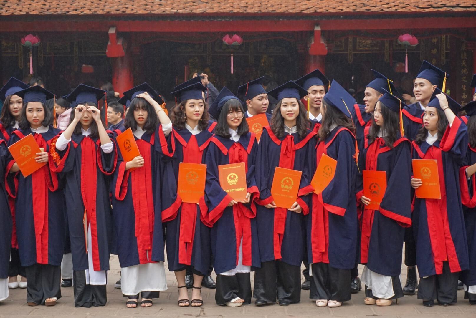 remise diplôme temple littérature Hanoi vietnam
