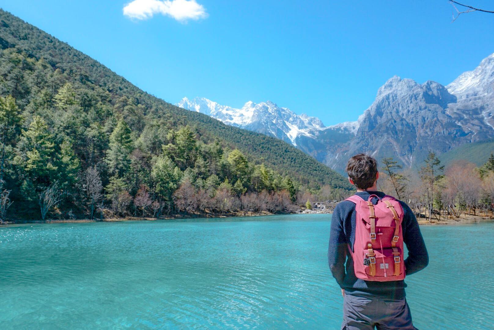 parc national blue moon vallée montagne du dragon de jade eau turquoise