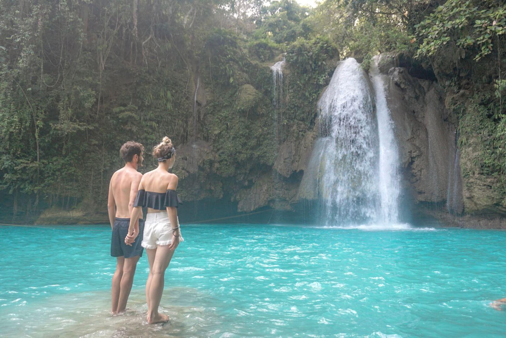 Aller visiter Kawasan Falls cascade philippines Moalboal