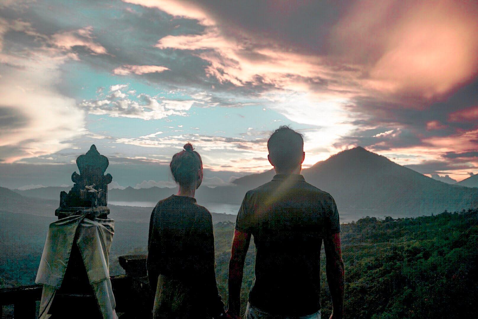 ou et comment voir un Lever de soleil sur les volcans Batur Bali depuis Ubud
