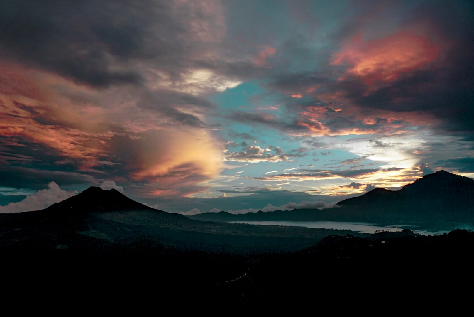 Comment voir le lever de soleil sur les volcans batur Bali Ubud