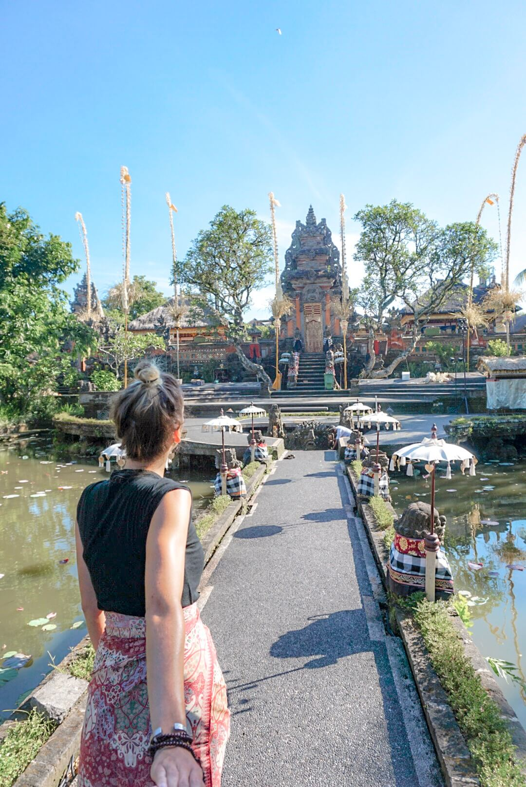 Visiter le temple de Saraswati Ubud Bali eau