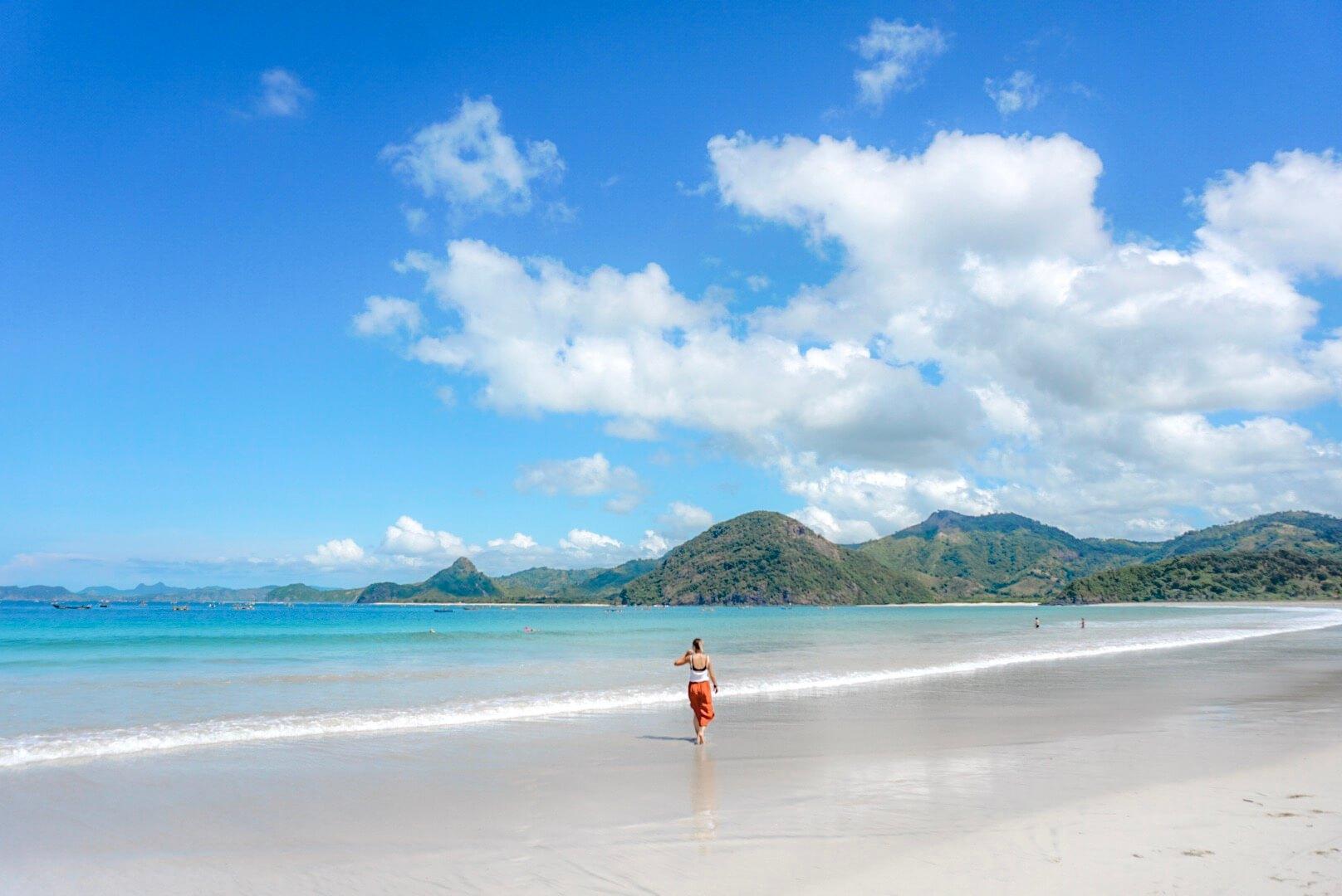 aller à la plage de pantai selong belanak surf