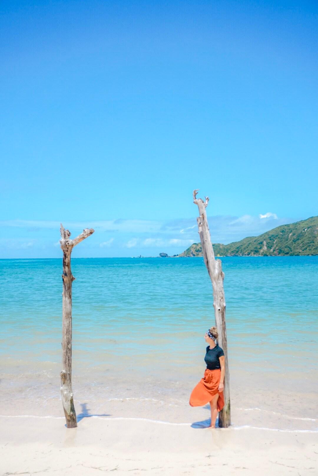la plage de luta lombok indonésie