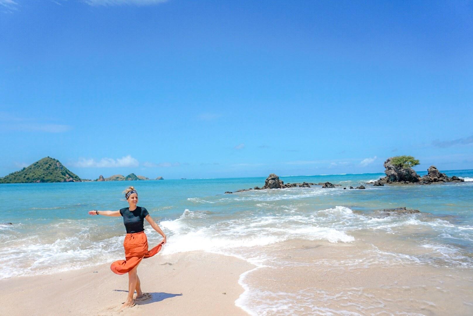 aller se baigner plage de luta lombok