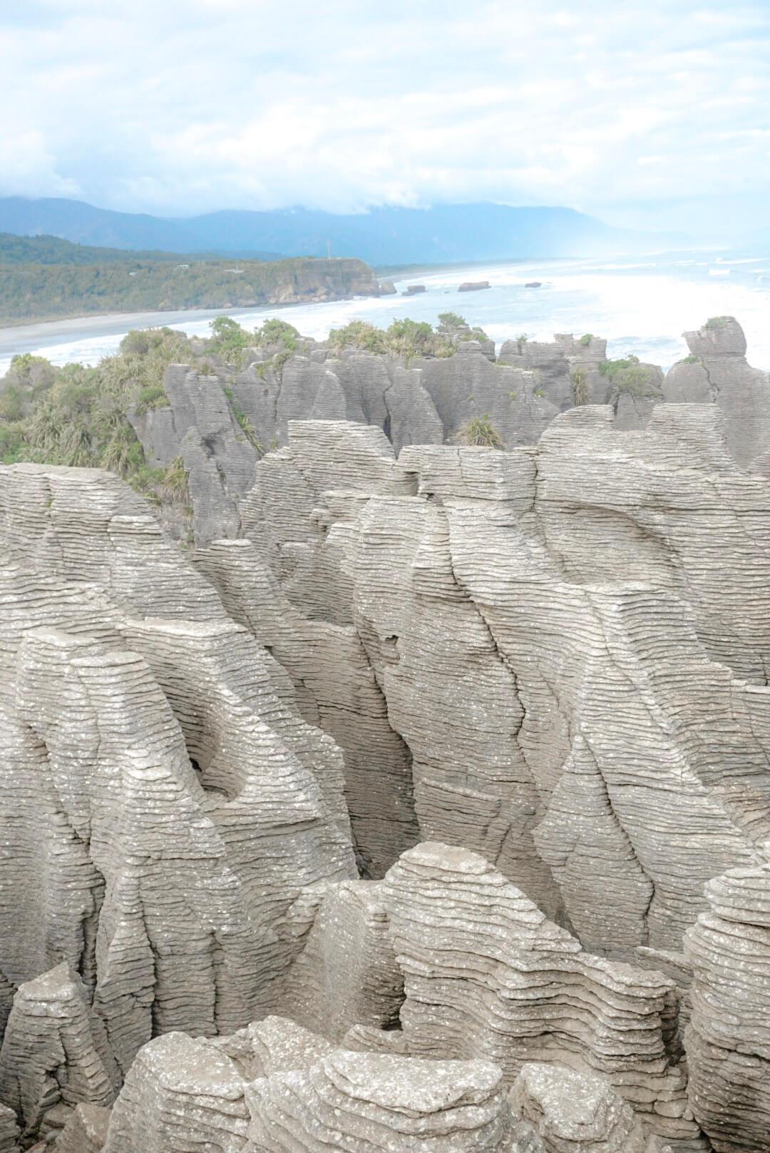 L'érosion de l'océan à former les pancake rocks