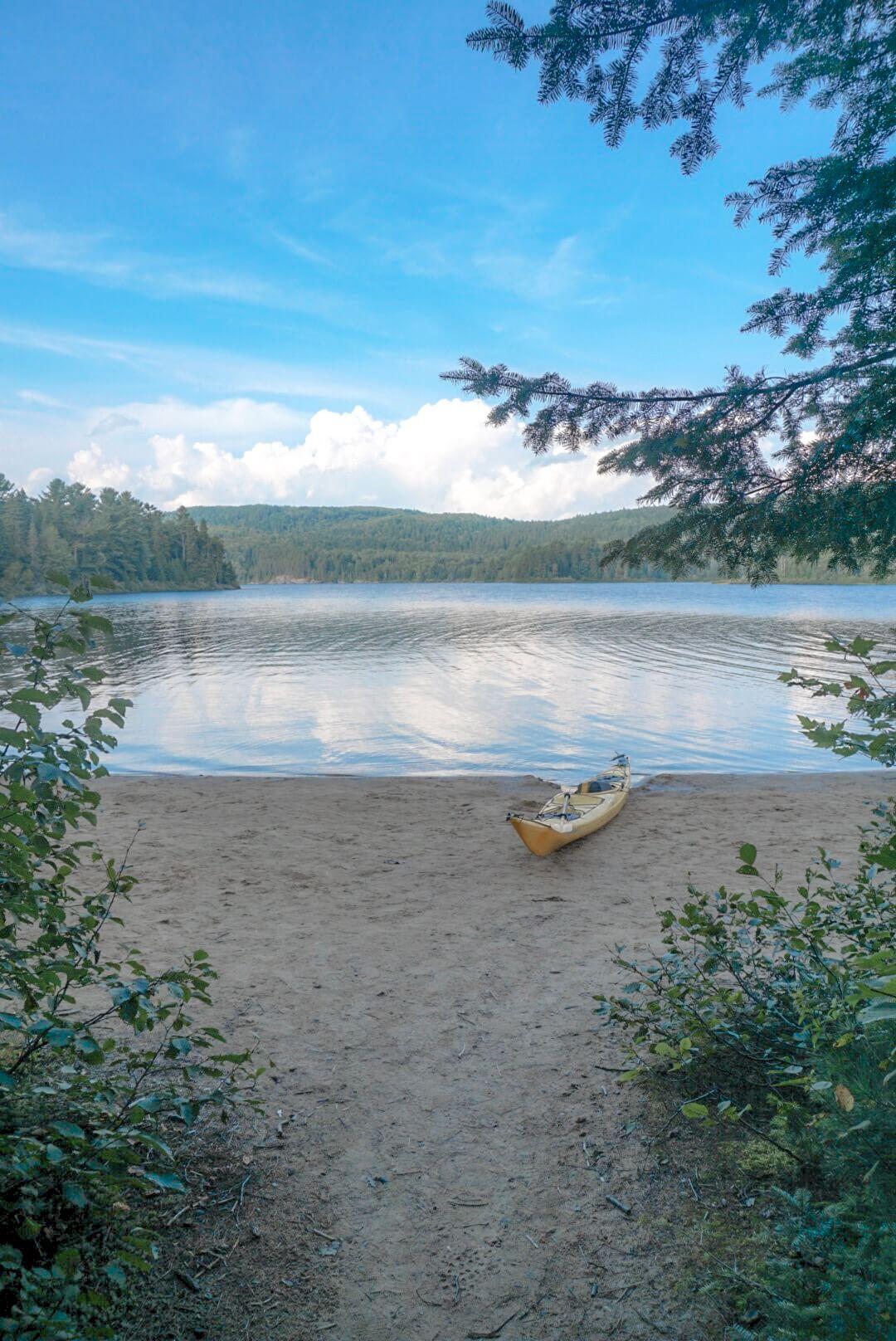 comment visiter le parc de la mauricie canada lac canoe