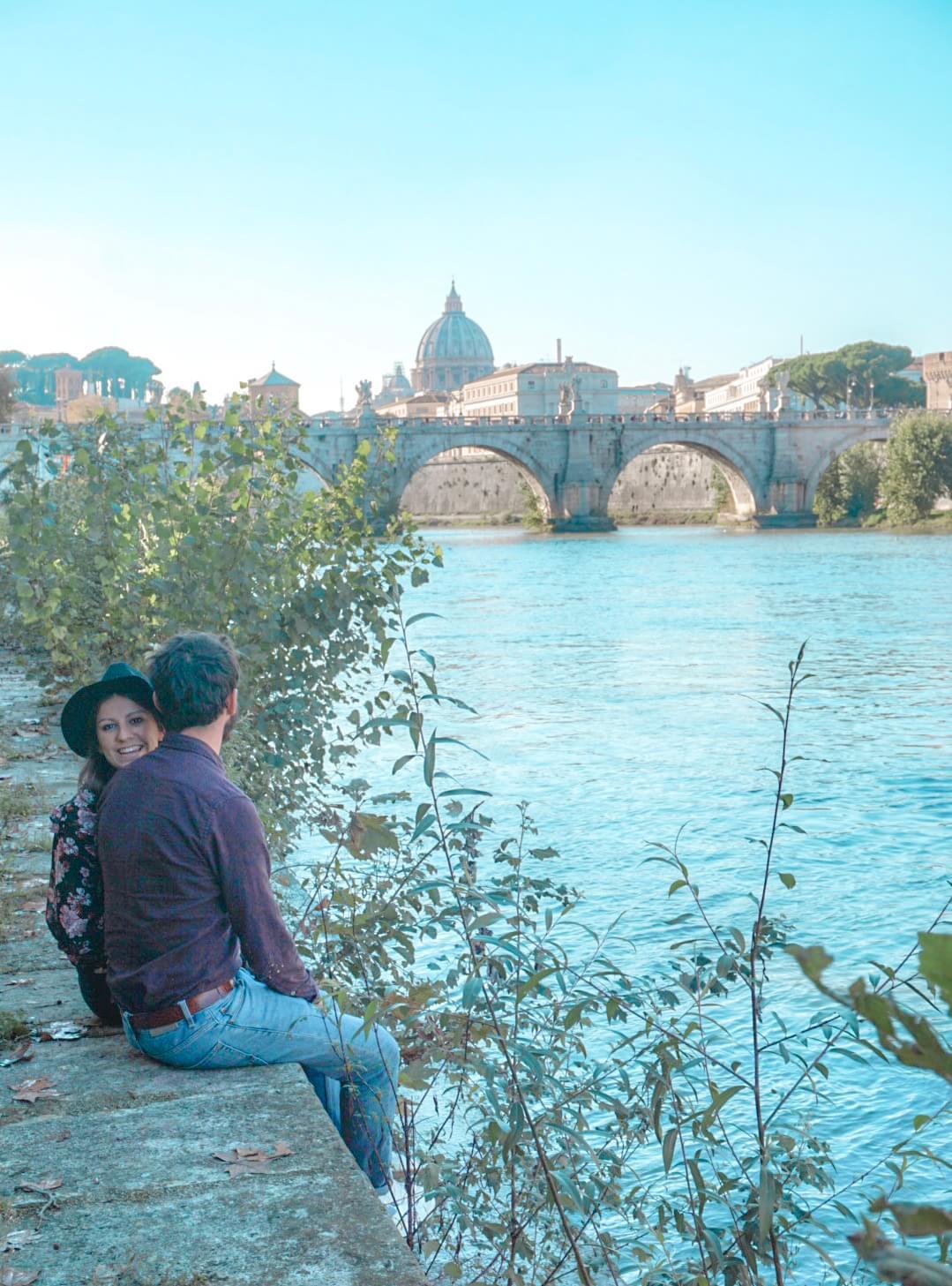 se promener sur les quais de rome pont saint ange blog