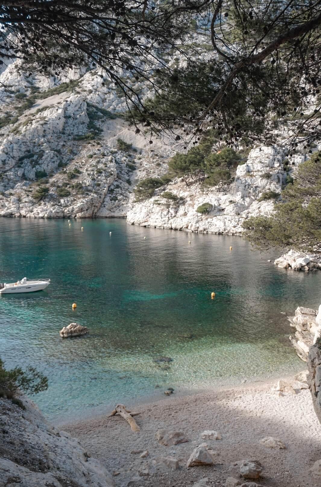 La plage de la Calanque de Morgiou Marseille