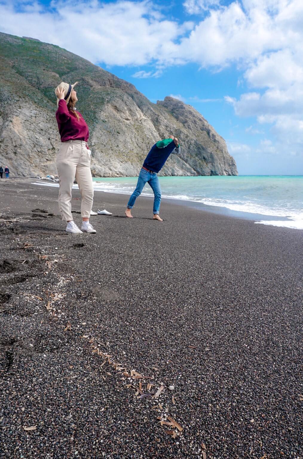 Perissa plage noire santorin