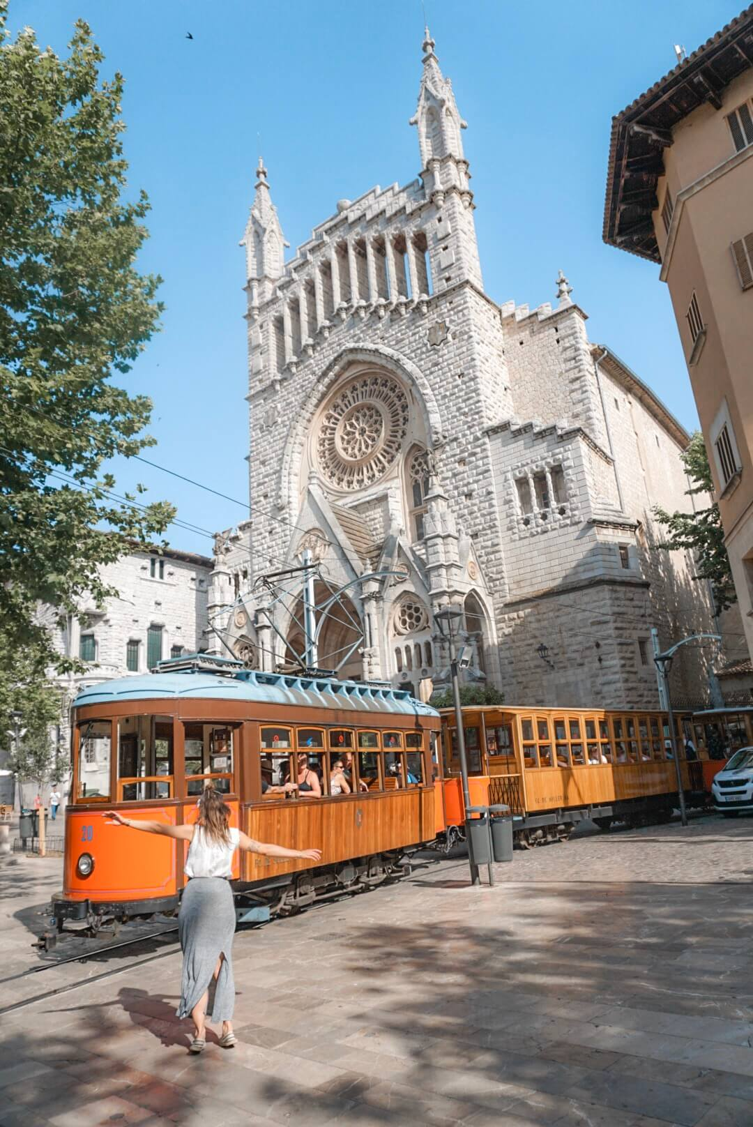 visiter cathedrale de soller saint barthelemy