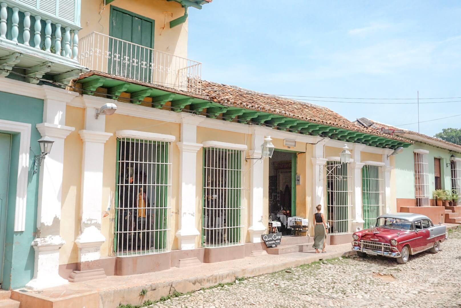 voitures americaine village cubain trinidad