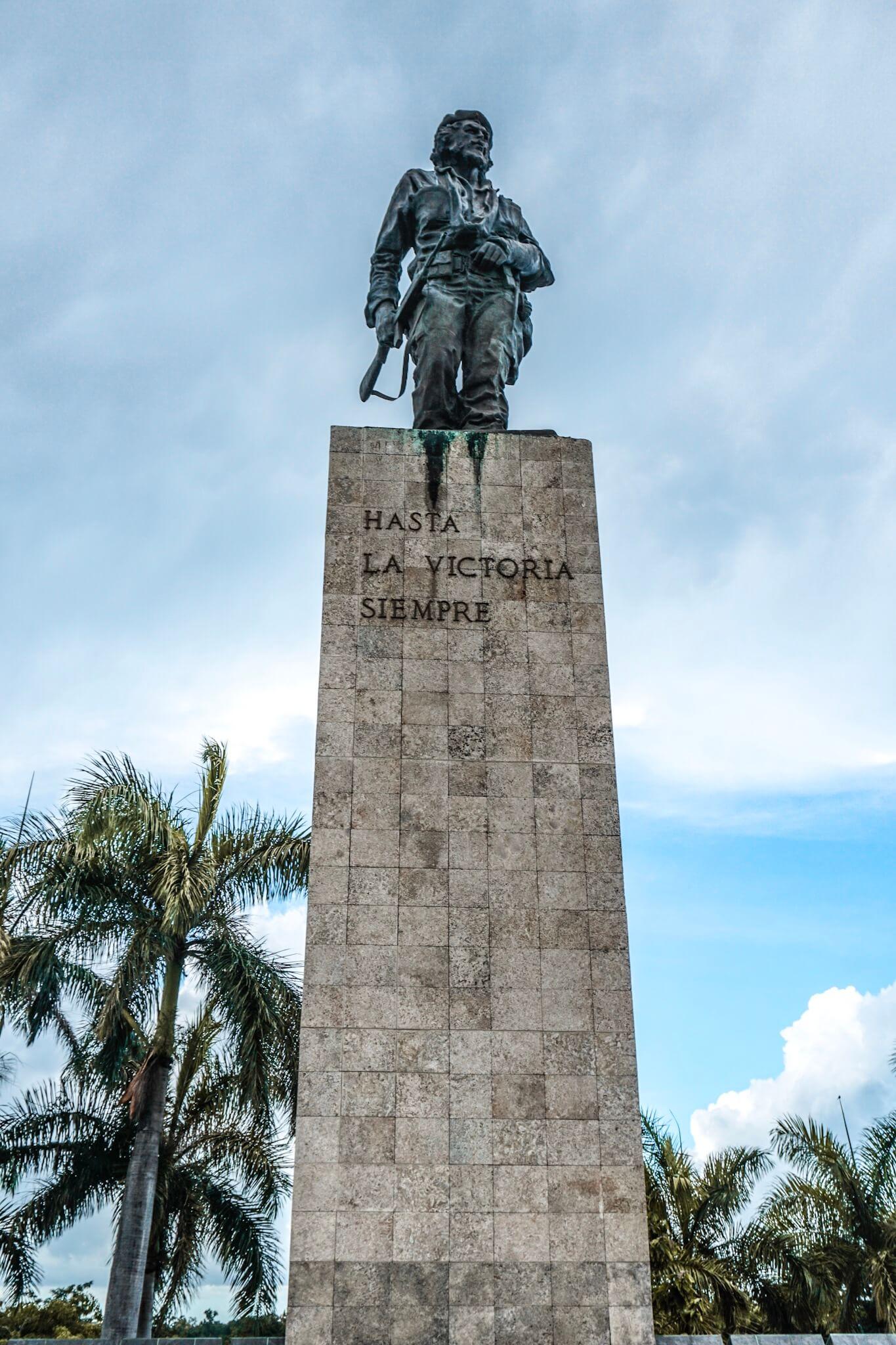 visiter plaza de la revolucion santa clara statue du che