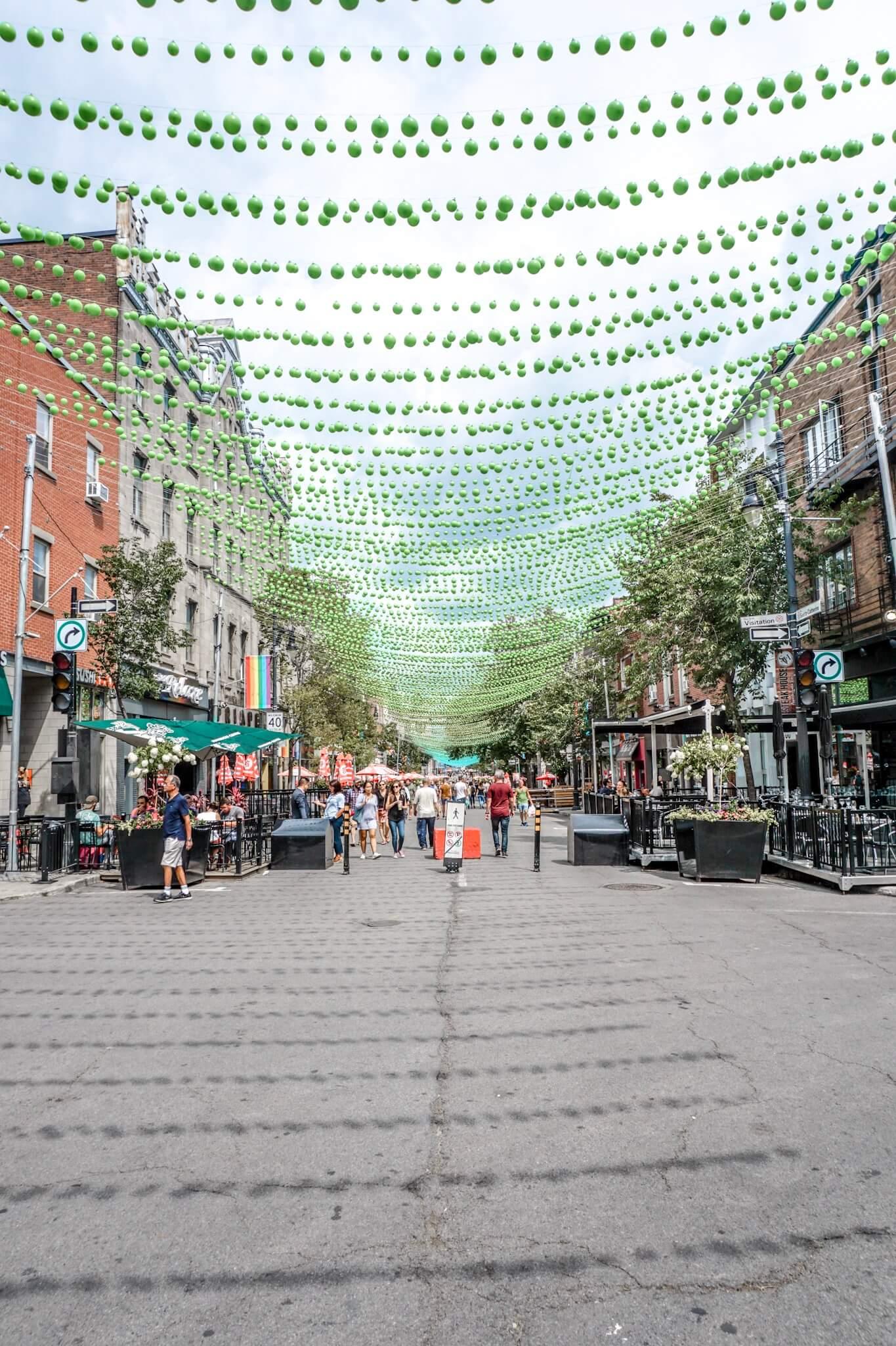 visiter la rue sainte catherine montreal